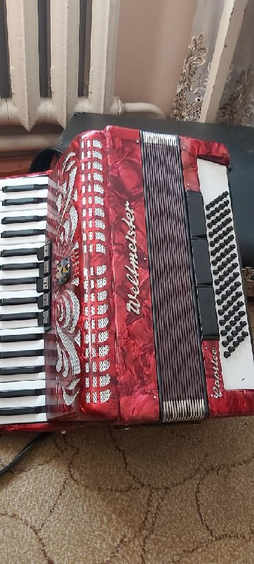 аккордеон-вельтмейстер в Кыргызстан: Продаётся аккордеон вельтмейстер. Состояние отличное