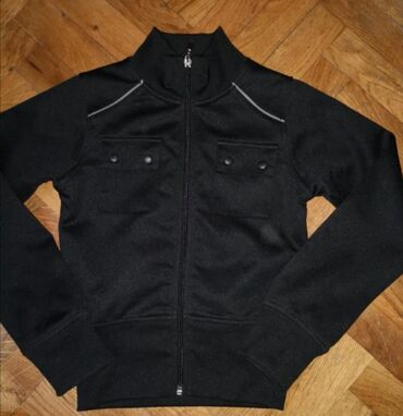 Duks jaknica,novo ne korisceno,velicina 7-8,moze i za decake kao I