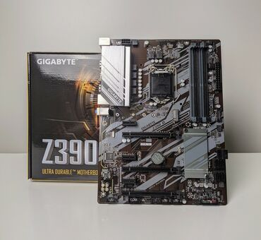 Материнская плата Gigabyte Z390D на запчасти
