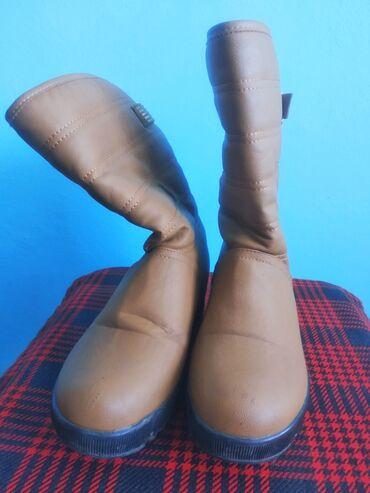 Почти новые очень теплые зимние сапожки и деми- ботинки в хорошем