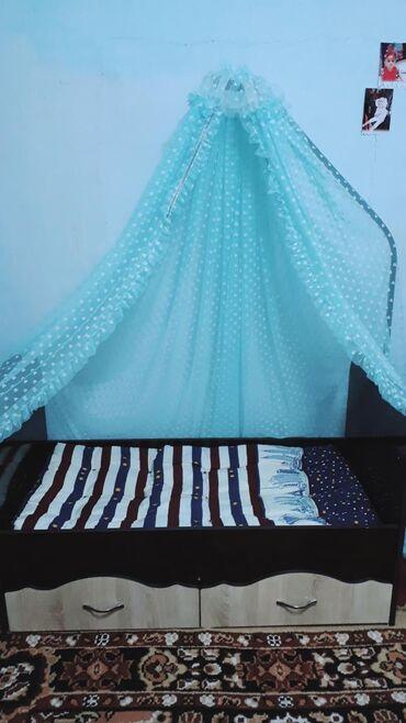 Кызыл-кия Детская кровать манеж качалка снизу два шкафа для одежды