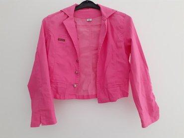 NOVA texas jaknica, na njoj pise da je za devojcice velicina 14, ali