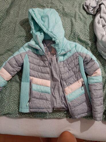 Ostalo | Zrenjanin: Nova jaknaobucena 3 puta, marke Superdryplacena 12 000 Velicina