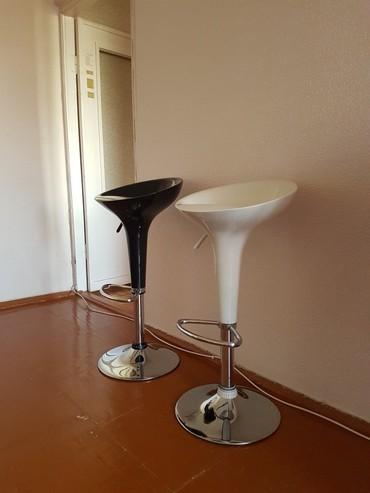 Продаю 2 стула (для баров), отличное состояние, 4000 сомов за два