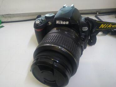 фотоаппарат canon 10d в Кыргызстан: Nikon eos 60d Сумка зарядка Вспышка Торг уместен