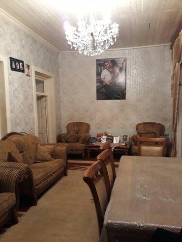Gencenin merkezinde ev ve moyka bir yerde satili 130000 ayri ayriligda в Гянджа