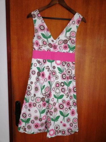 Haljina st - Srbija: Haljina cvetna, M velicina.Jedino ostecenje je iza ispod cipzera sto s