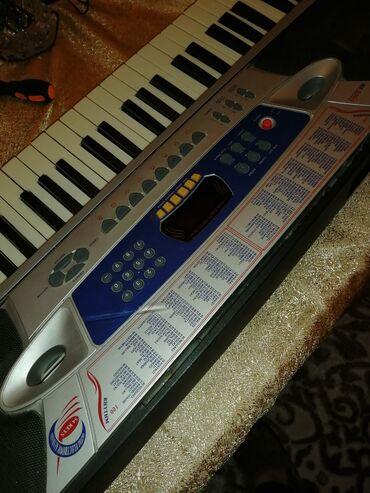 Синтезаторы - Азербайджан: Sintizator pianino kimi istifade etmek olar  99 sesi 99 ritmi var