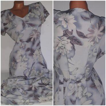 Preko grudi - Srbija: Sivo plavo bela duga haljinaDimenzije :od ramena do ramena 40 cm, od
