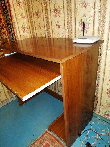 деревянный кухонный стол в Азербайджан: Стол для компьютера.Ватсап есть
