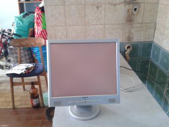 17 inchni monitor pali ali nema sliku nego samo belu pozadinu kao sto - Kraljevo