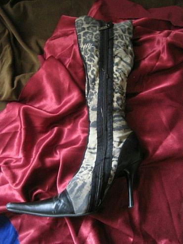 Продаю сапоги-чулки. 36-37 размер. Изношенность:10%. 900 сом.  в Лебединовка