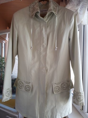 куртка лёгкая 46 48 размер. в отличном состоянии в Бишкек