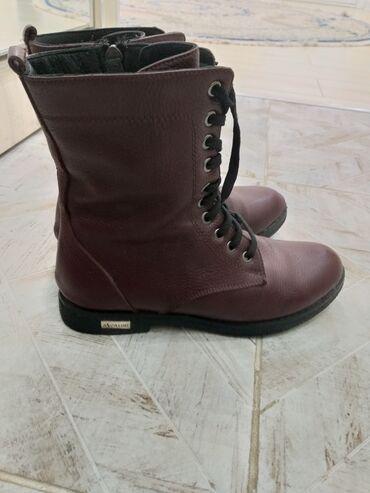 zakrytye tufli в Кыргызстан: Продаю ботинки демисезонные, кожаные, состояние на 5, 36-размер, на