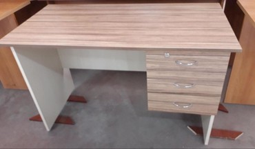 Xırdalan şəhərində Ofis masasi 120 manat seher daxili catdirilma