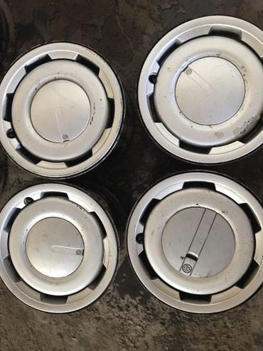 r13 диски в Кыргызстан: Диски с колпаками R13 гольф 2,пассат,венто и т.д 4*100 комплект