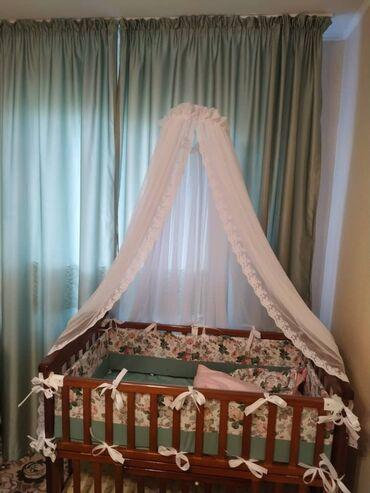 частный детский садик топотушки в Кыргызстан: Детская кроватка. в идеальном состоянии.С балдахином и бортиками