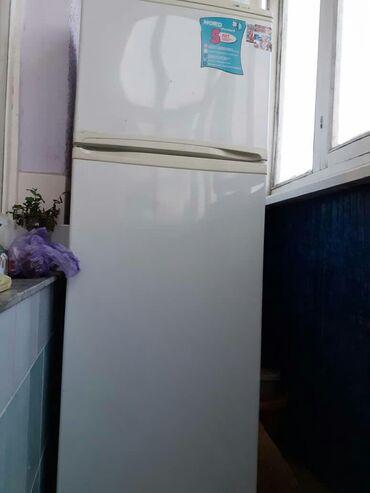 Холодильники - Кыргызстан: Требуется ремонт Двухкамерный Белый холодильник Nord