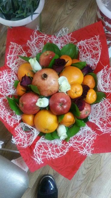 Букеты из фруктов и цветов в Бишкек