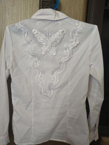 блузки для школы в Кыргызстан: Цена за две блузки 500 сом. Школьные блузки на девочку 1-2 класс. Х/б