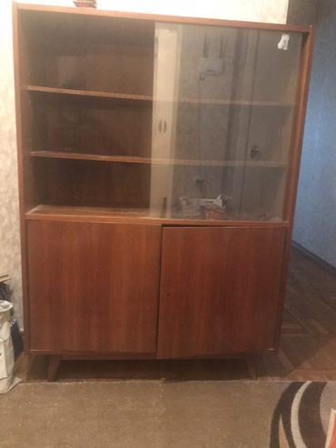 Отдам бесплатно старый шкаф, в хорошем состоянии. в Bakı