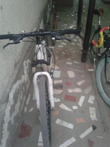 Срочно продаю велосипед скоростьной спортивные и горный велосипед