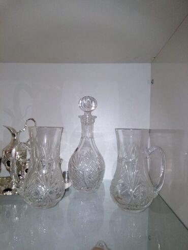 su keçirməyən kişi gödəkçəsi - Azərbaycan: Viski qrafini (ortada 1 eded) 40azn Su qrafinleri cutu 30azn