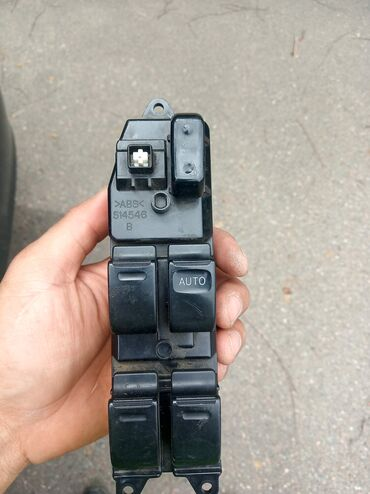 Продаю блок управления стеклоподъёмника камри 30 35 прошу 900