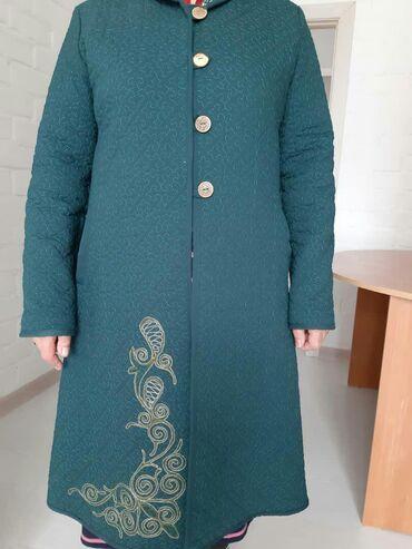 женские-пальто в Кыргызстан: Продаю демисезонное пальто (чапан) размер 50. В очень хорошем