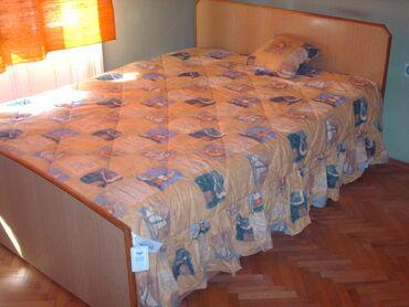 Kućni dekor - Subotica: Kvalitetan pamucni dekorativni prekrivac za bracni krevet, sa karnerom