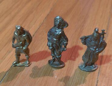 Gvozdene igracke - olovni, gvozdeni vojnici. Cena na komad. Male