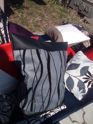 Ostalo | Varvarin: Jastuci punjeni sundjerom