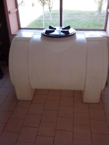 Rakija - Srbija: Rezervoar za vodu 750l od industrijske plastike. Pogodan za rakiju