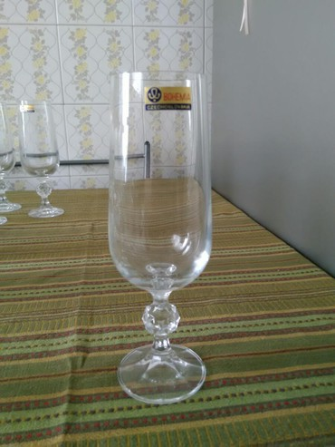 30 ποτήρια Bohemian αχρησιμοποίητα !!τιμή 50 ευρώ . παράδοση σε σταθμό