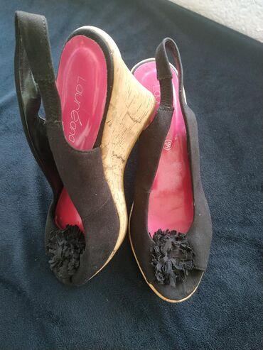 Sandale iz Svajcarske velicina 38 crne nosene dva puta