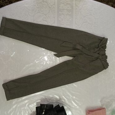 Новые тёплые брюки 42-44 мне просто маленькие