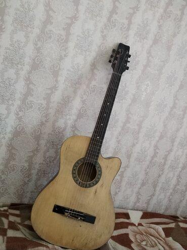 Спорт и хобби - Токмок: Продаю гитару, нету одной струны