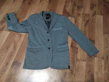 Пиджак фирмы Reserved(Польша) теплый на осень и зиму, очень удобный и