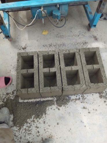 Продаются станок. пескаблок  уступка есть. 1 комплект,блок и колона. в Кызыл-Кия
