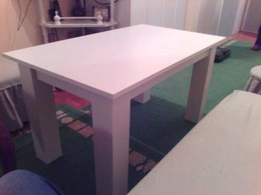 -Klub sto se izradjuje od univera debljine 18 mm u Belom dekoru - Belgrade
