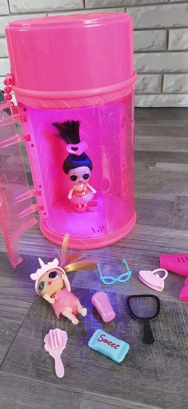 Детский мир - Таш-Мойнок: Куклы лол с выставочным подиумом ( играет музыка и световое