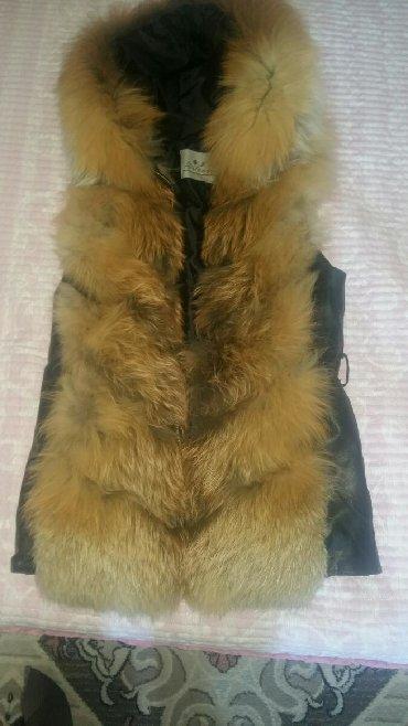 жилет лиса в Кыргызстан: Чисто кожаная безрукавка с лисьим мехом