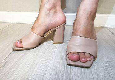 Мюли-босоножки 100% кожаОчень удобная летняя обувьРазмер: 35Состояние