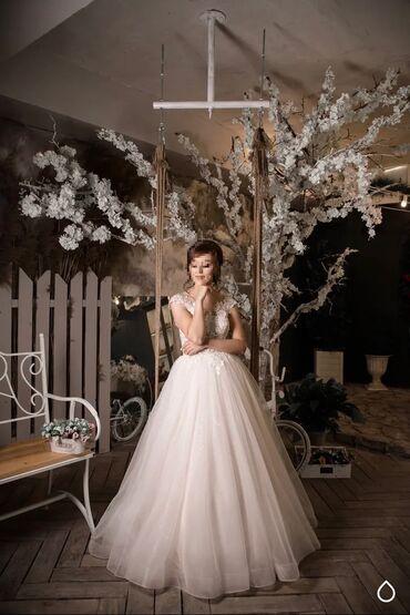 Свадебные платья и аксессуары - Бишкек: Продаю или сдаю на прокат очень нежное свадебное платье в стиле Boho