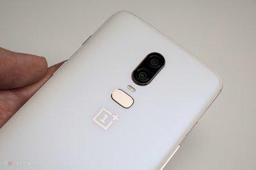 Bakı şəhərində OnePlus 6 Silk White və keys