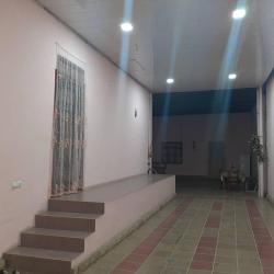 bir otaqlı ev axtarıram - Azərbaycan: 75 min Avtozavodda 4 sotda 4 otaqli ev heyetdede 1 otaqli her bir