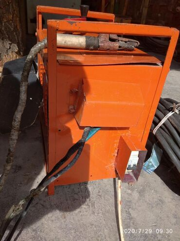 Пилы в Ак-Джол: Промышл.сварочн.апарат 380в. Медный кабель с держаком 21м.дл. очень мо