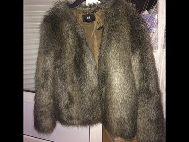 Krzneni kaputi - Novi Sad: H&M krznena jakna, nosena samo jednom, bez ikakvih ostecenja, izuz