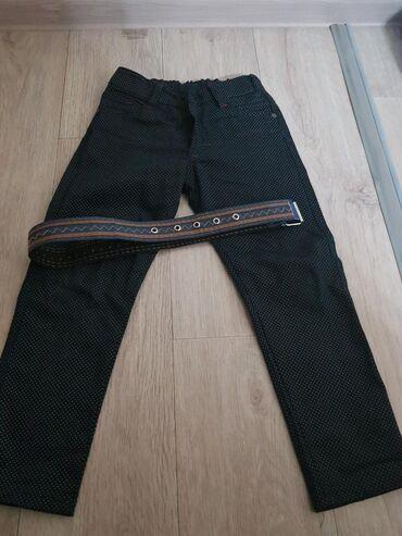 Продаю штанишки на мальчика, с ремнём, с боку есть утяжки для объёма