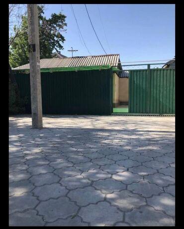 Дома - Бишкек: Продам Дом 1111111 кв. м, 3 комнаты